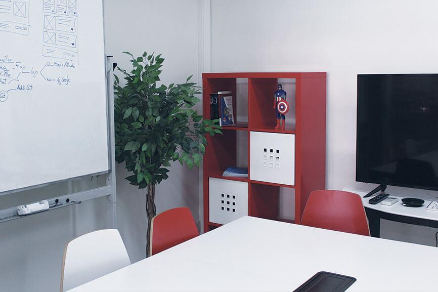 Anedma space room